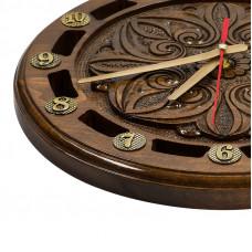 Часы резные 710