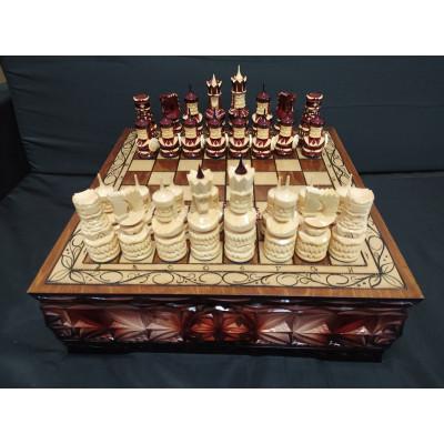 Шахматы в ларце ручной работы Крепость