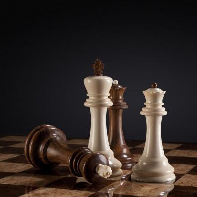 Шахматы Стаунтон из бивня мамонта