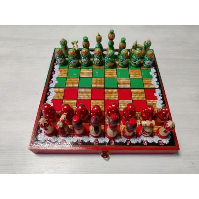 Шахматы сувенирные Матрешки красно-зеленые